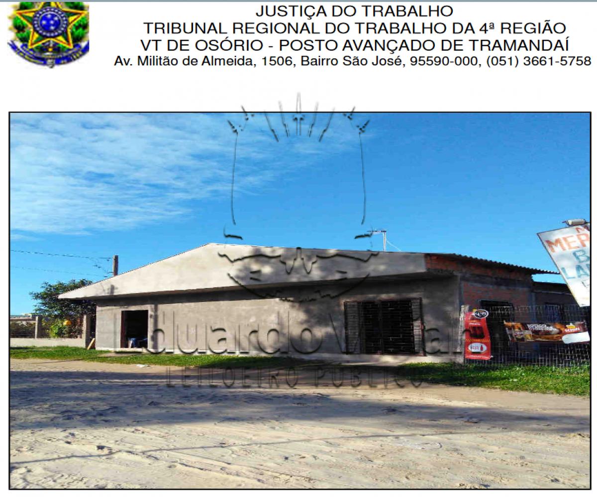 Rua  Epitácio  Pessoa,  361,  um  prédio  residencial  /comercial,